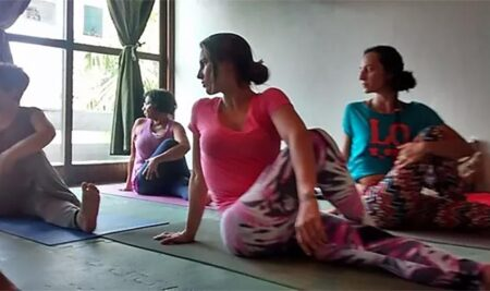 Yoga – Terapia Hormonal